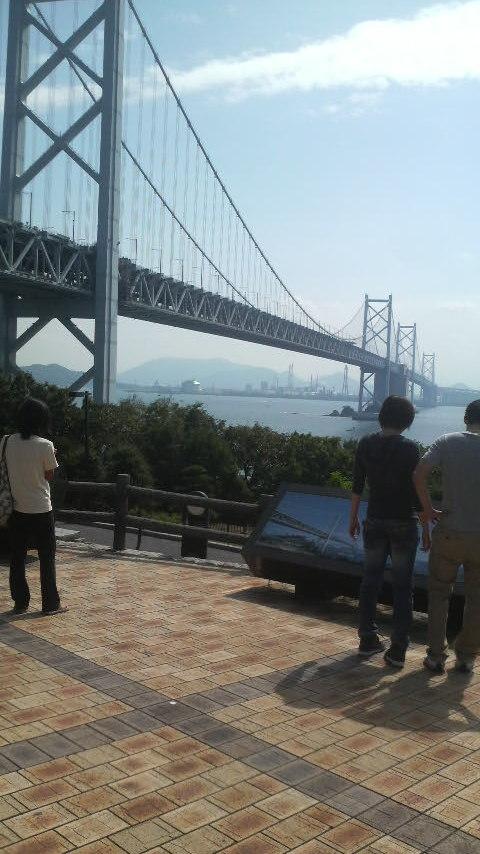 瀬戸大橋を渡って讃岐うどん